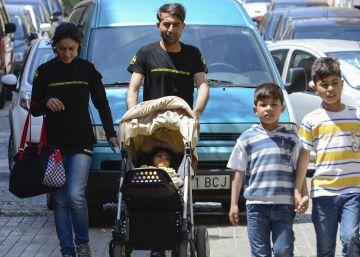 La familia de Osman solicita asilo y protección internacional