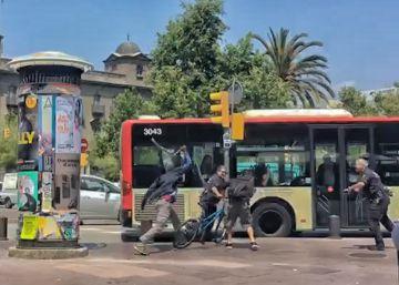 El Ayuntamiento presionó a la Guardia Urbana para dejar libre a un 'mantero'