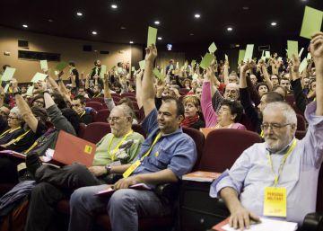 """La CUP aprueba """"librarse"""" de Junts pel Sí en pleno debate sobre los Presupuestos"""