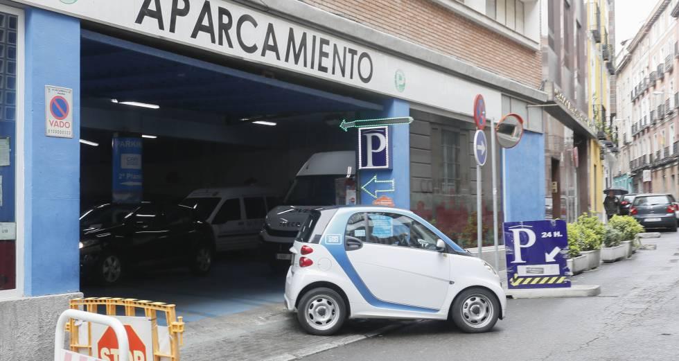 Los coches eléctricos de alquiler son cada vez más visibles.