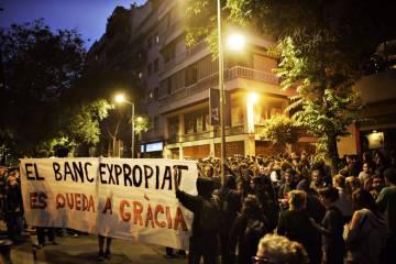 Los nuevos disturbios en Gràcia resucitan el espíritu de Can Vies