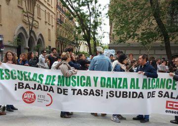 Las Escuelas de Música se plantan frente al Ayuntamiento
