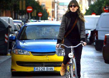 Ingresado un ciclista tras ser arrollado por un coche en Valencia