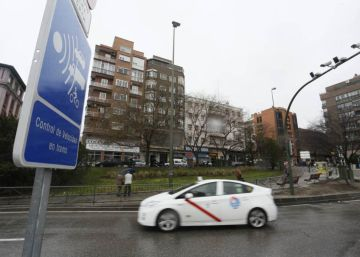 """El Ayuntamiento """"reflexionará"""" para rebajar las multas de aparcamiento"""