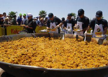 3.000 cocineros prepararán 3.000 paellas para celebrar el 'emoji'