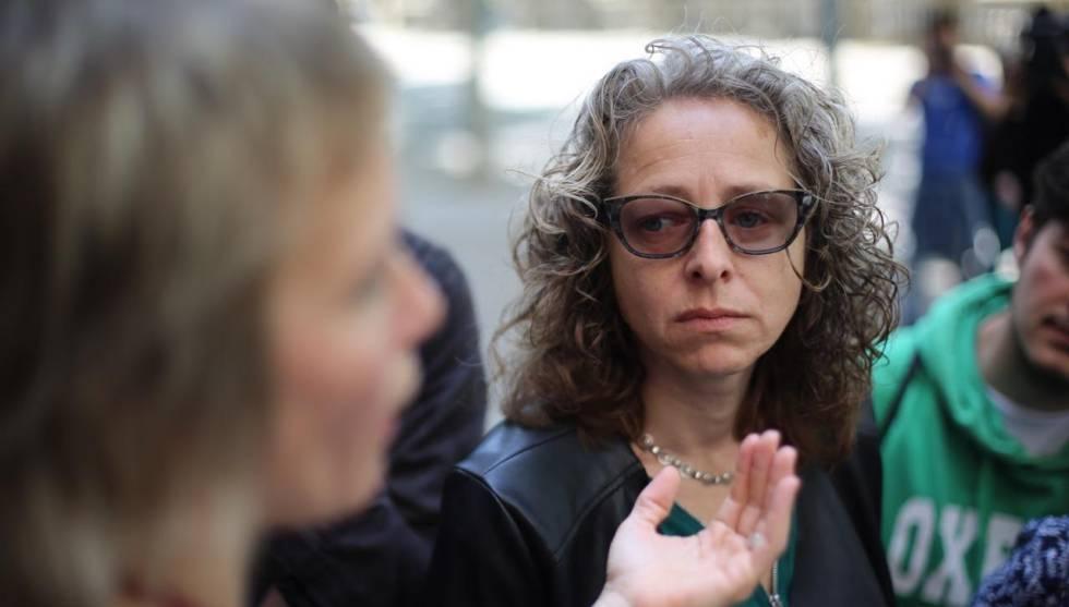 Ester Quintana tras conocerse la sentencia que exculpa a los Mossos que le segaron un ojo.