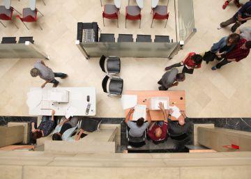 Tortosa vota conservar el mayor monumento franquista