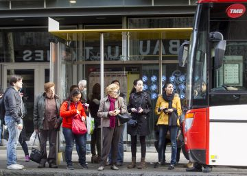 Barcelona recuperará los buses de barrio los domingos y festivos