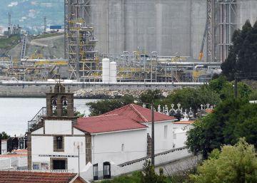"""Vecinos y AGE ven ilegal y """"mafioso"""" el acuerdo del Gobierno de Rajoy en favor de Reganosa"""