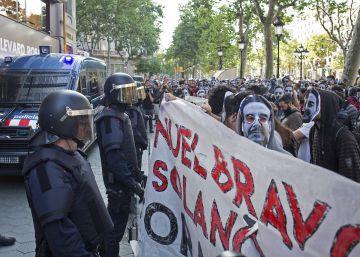 Escrache en el paseo de Gràcia al dueño del Banco Expropiado