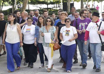 Lambda denuncia a Cañizares a la fiscalía por sus palabras homófobas