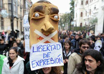 Los titiriteros del 'Gora Alka-ETA' reclaman su absolución con una función