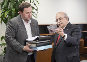 Junqueras entierra la herencia de Mas-Colell para atraer a la CUP