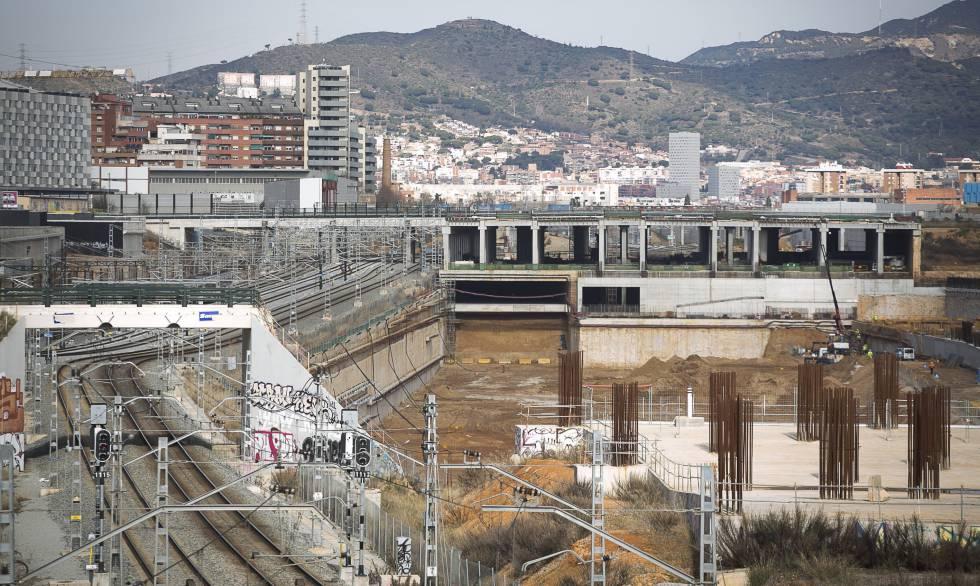 Obras alrededor de la futura estación de La Sagrera.