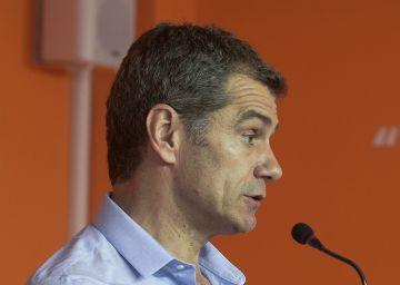 """Cantó: """"Cada vez que PSOE, PP e IU hacen banca pública, nos roban"""""""