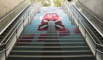 Para de metro Passeig de Gràcia.