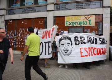 Los Mossos identifican a 55 personas de los altercados de Gràcia