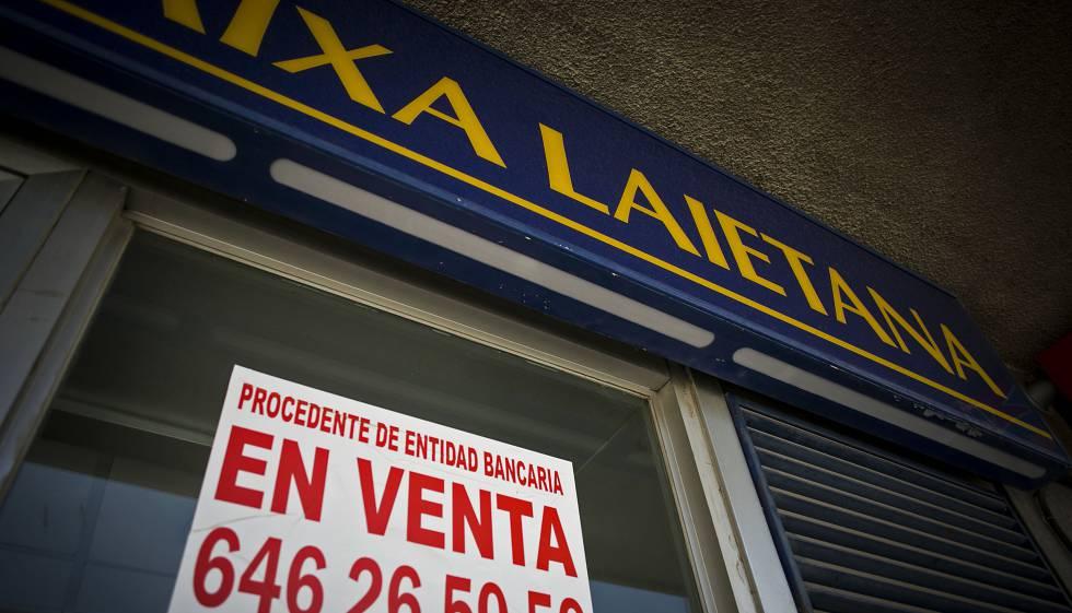 Juicio a ocho directivos por tolerar el desfalco de las for Caja de cataluna oficinas