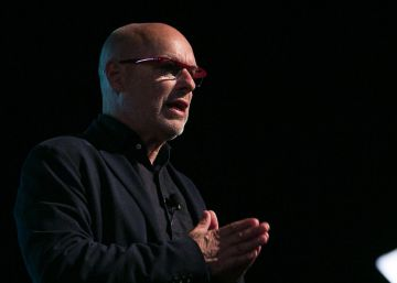 "Brian Eno: ""És possible graduar-se a la universitat i no tenir ni punyetera idea de res"