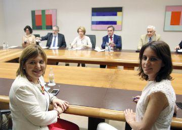 El PP hace frente común con las universidades privadas en Valencia