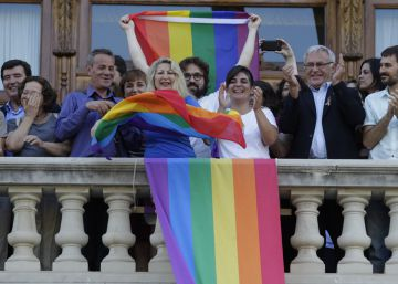 La Católica pide al Consell que retire la ley de transexualidad