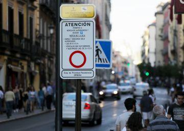 El Ayuntamiento impone 1.700 multas diarias por entrar en el barrio de Ópera