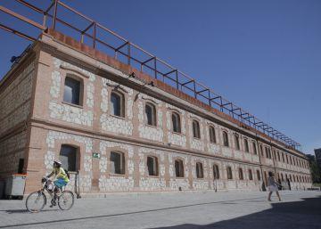 Carmena pretende ceder 50 años una nave de Matadero a una fundación