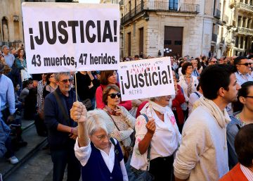La imputación de una testigo del accidente de metro indigna en Cortes