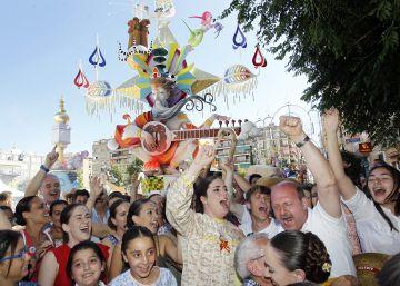 Séneca Autobuses repite como mejor Hoguera de Alicante