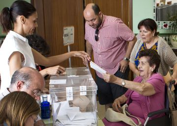 La participación cae cinco puntos y medio en Andalucía respecto al 20-D