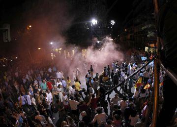Seis detenidos de Hogar Social Madrid por lanzar botes de humo entre los seguidores del PP
