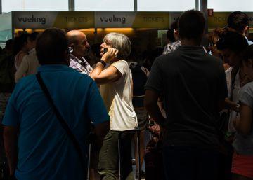Los retrasos de Vueling y la huelga en Francia indignan a los pasajeros
