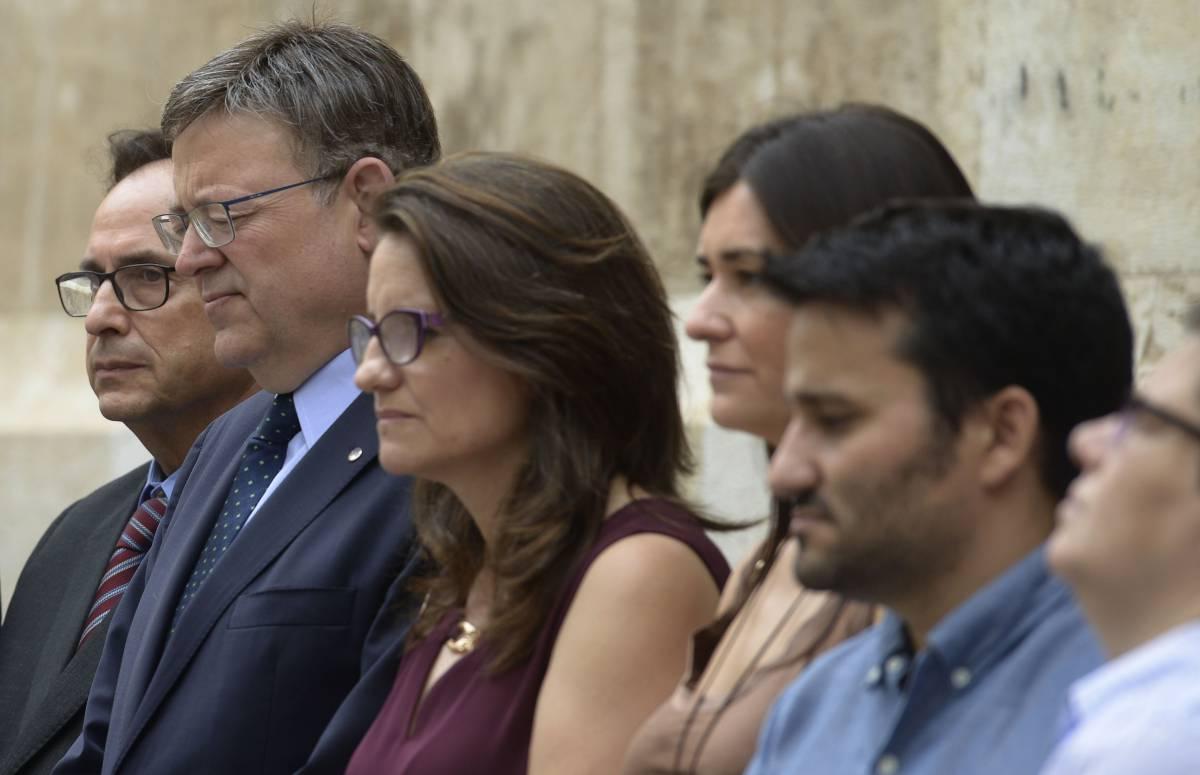 El presidente, Ximo Puig, y varios miembros del Consell.