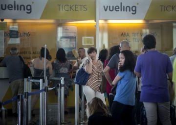 Otro día de caos en Vueling: nuevas cancelaciones y retrasos