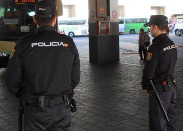 Detenida una mujer por maltratar y echar de casa a su hija de ocho años