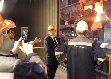 El presidente valenciano Ximo Puig durante su visita en Alemania a ThyssenKrupp. (Imagen de la Generalitat)