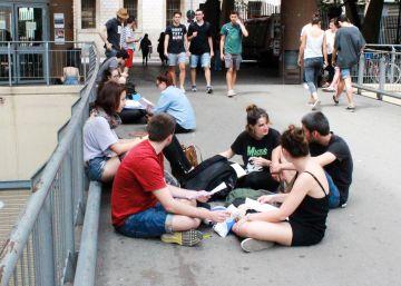 La Generalitat desoye al Parlament y mantiene las tasas universitarias