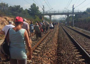Un nuevo percance en Rodalies atrapa a 200 viajeros en medio de la nada