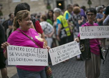 Los detractores del CIE acusan a Fernández Díaz de la reapertura