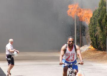 Un incendio obliga a evacuar a un centenar de personas en Castellón