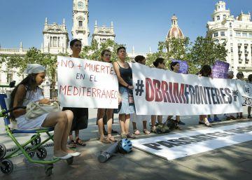 Un autobús de Valencia se une a la caravana a Grecia por los refugiados