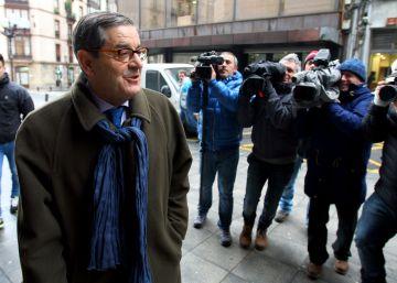 El fiscal pide dos años de cárcel para los tres acusados por el 'caso Kutxabank'