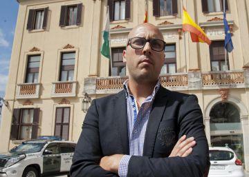 Dos detenidos por 'contratados amañados' de basuras en el Ayuntamiento de Lloret