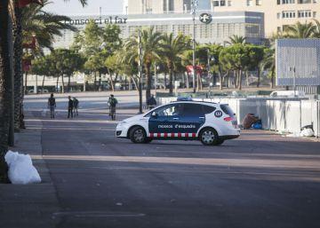 El Ayuntamiento instala una pista de patinaje en el zoco de la Barceloneta