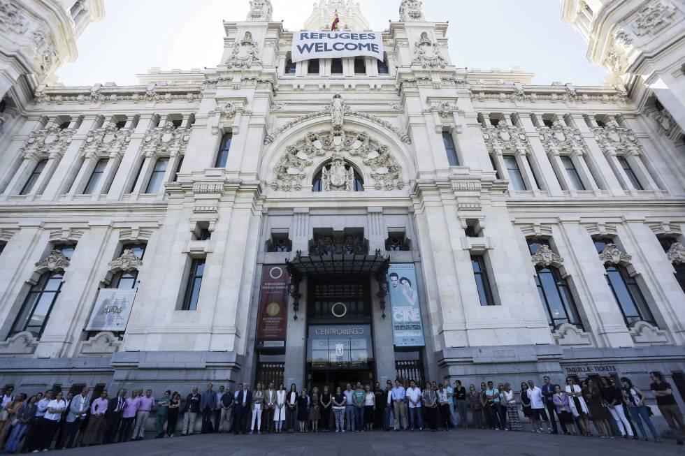 Minuto de silencio en el ayuntamiento comunidad y la for Sede de la presidencia de la comunidad de madrid