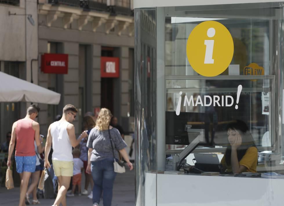 Los trabajadores se quejan de condiciones deplorables en for Oficina de informacion turistica madrid