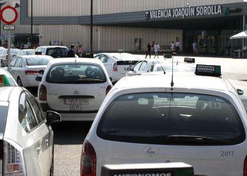 Multas de 1.000 euros por anunciar la prostitución en taxis en Valencia