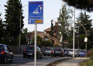 El próximo lunes entran en servicio en Madrid 9 puntos de control de semáforo en rojo