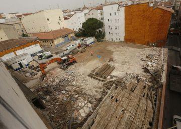 El Ayuntamiento derriba un edificio del XIX para levantar un polideportivo en Centro