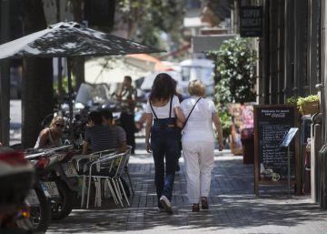 El turismo recrudece la batalla por el espacio público en Barcelona